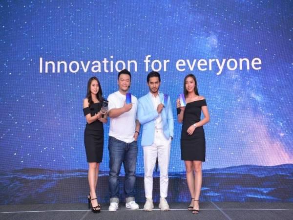 Pengurus Besar Xiaomi Malaysia dan Singapura, Allen An dan Aeril ketika majlis pelancaran Redmi Note 7