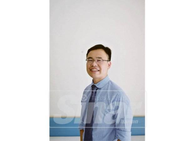 DR Lim Ee Tang