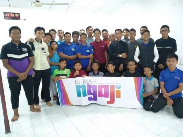 GOLONGAN remaja teruja menyertai aktiviti Rumah Ngaji @ Kowada, Seksyen 15, Shah Alam baru-baru ini.