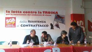 """Sala gremita al circolo ARCI """"Guernelli"""" di Bologna"""