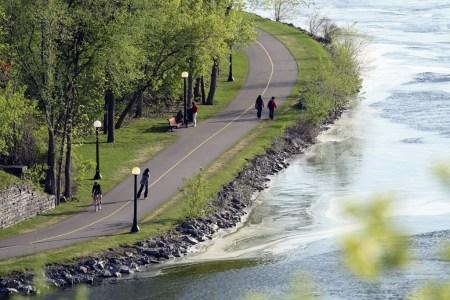 Ottawa River Pathway