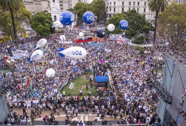 Über 400.000 Menschen nahmen an der Demonstration in Buenos Aires teil