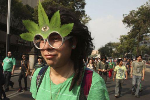 Imagen tomada durante una marcha en el DF a favor de la despenalización de la mariguana. Foto: Cuartoscuro