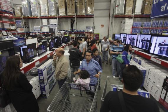 El crédito al consumo es que devora a los hogares. Foto: Cuartoscuro