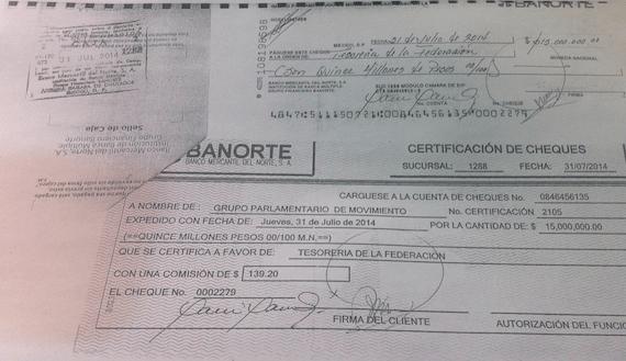 Diputados de MC devuelven 5 millones de pesos que, afirman,  recibieron todas las bancadas por aprobar la Reforma Energética. Foto: Cuartoscuro