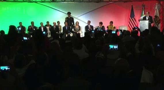 Encuentro con las Comunidades Mexicanas en California. Foto: Twitter Presidencia
