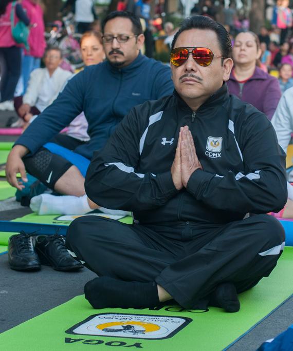 En la yoga, por el jefe. Foto: Cuartoscuro