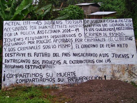Los sobrevivientes de Acteal exigieron aPeña Nieto la presentación inmediata a los 43 normalistas. Foto: Especial.