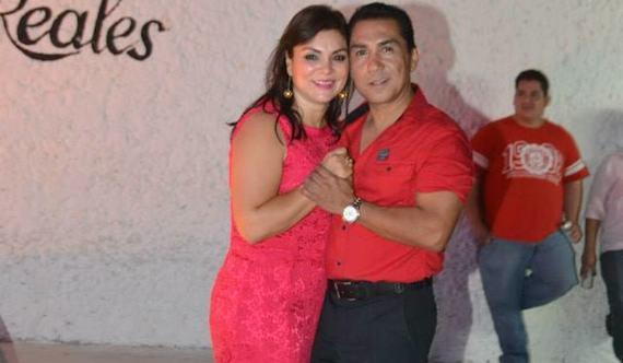 Abarca y su esposa María de los Ángeles Pineda Villa llevaban una vida lujosa en una colonia de clase media. Foto: Especial.