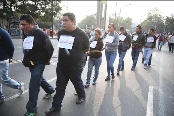 """Los """"infiltrados"""" en la CNTE. Foto vía Twitter: @doncaiman"""