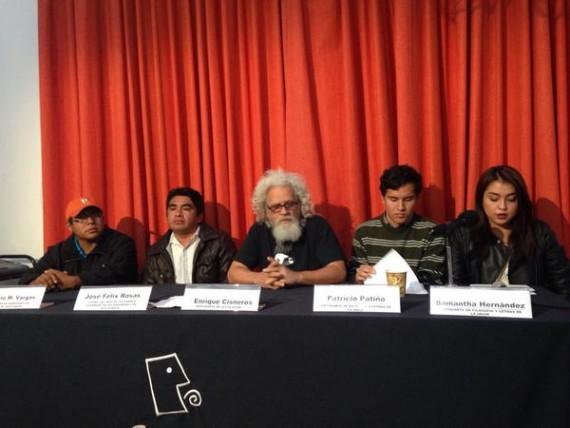 Asamblea interuniversitaria y compañeros de normalistas anuncian campaña para vacaciones decembrinas. Foto: Cencos