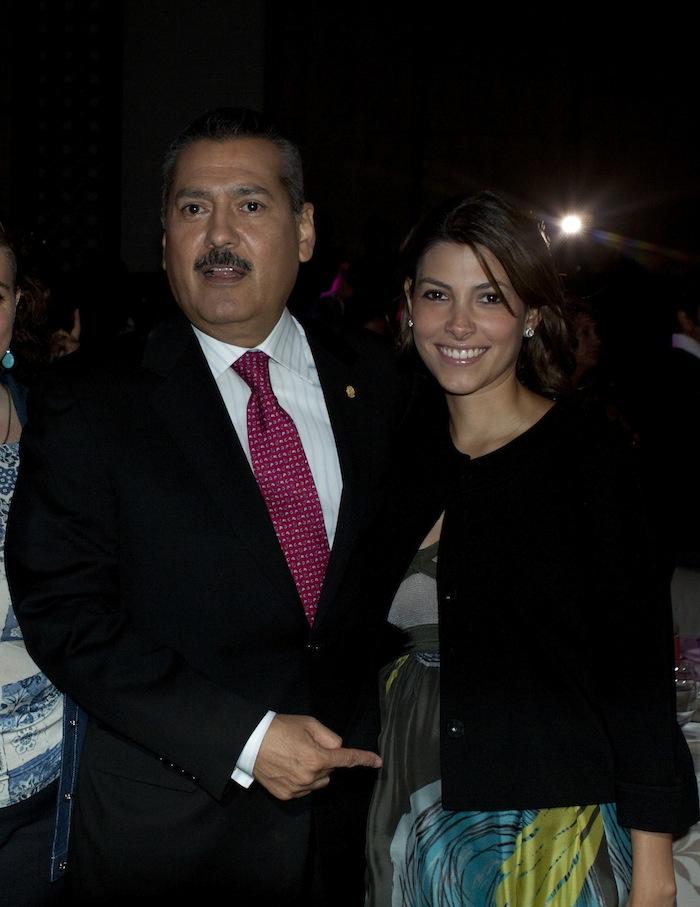Manlio Fabio Beltrones y su hija Sylvana Beltrones Sánchez. Foto: Cuartoscuro