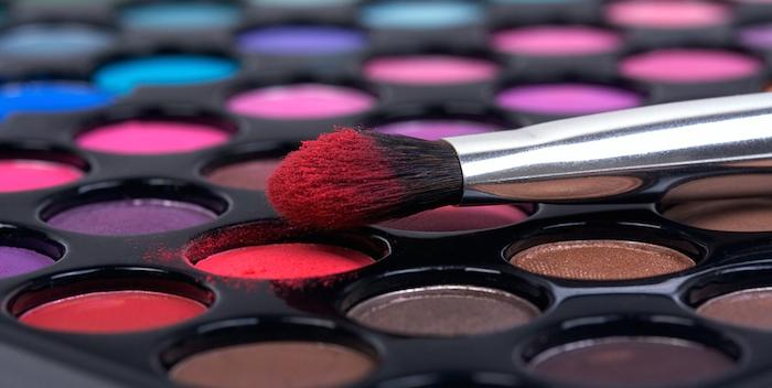 El estudio es una recopilación de los conocimientos disponibles sobre los vínculos entre la cosmética y la contaminación por plástico en los océanos. Foto: Shutterstock.