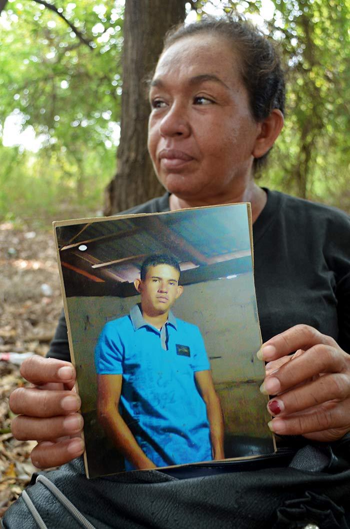 María Guadalupe Sánchez Valencia, madre de Antonio muerto en Apatzingán. Fotos: Sanjuana Martínez