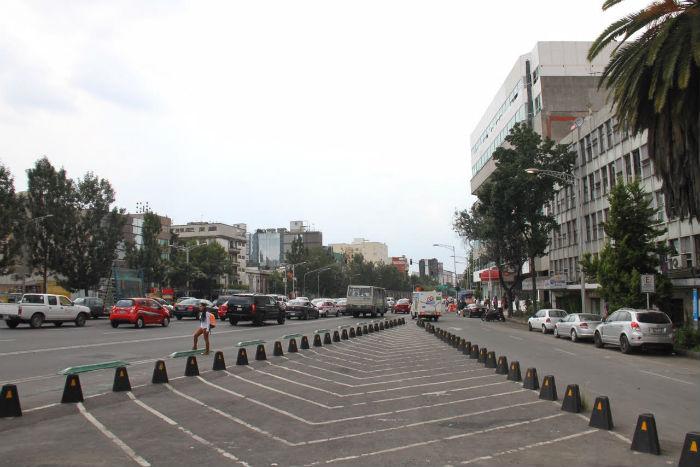 Aspecto de la Avenida Chapultepec. Foto: Luis Barrón, SinEmbargo