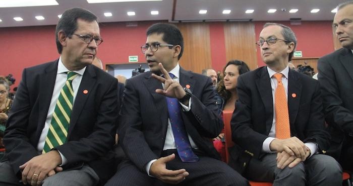 Las autoridades federales estuvieron presentes para escuchar el informe. Foto: Luis Barrón; SinEmbargo