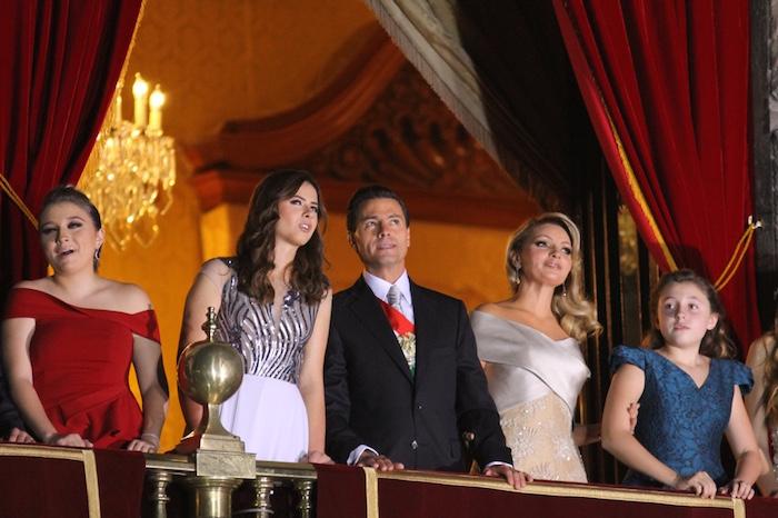 Peña Nieto estuvo acompañado de su esposa Angélica Rivera y su familia. Foto: Luis Barrón, SinEmbargo