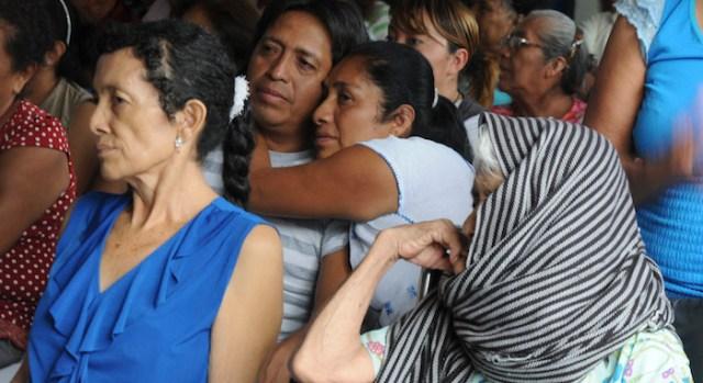 Mujeres asisten al banco de prótesis de cáncer de mama en Acapulco, Guerrero. Foto: Cuartoscuro