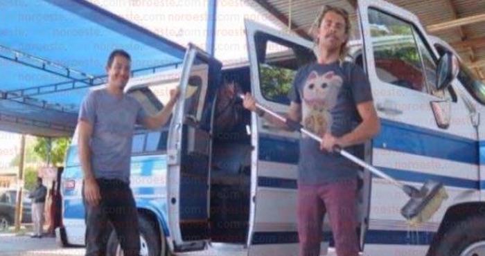 Los jóvenes australianos que vacacionaban en BCS. Foto: Noroeste