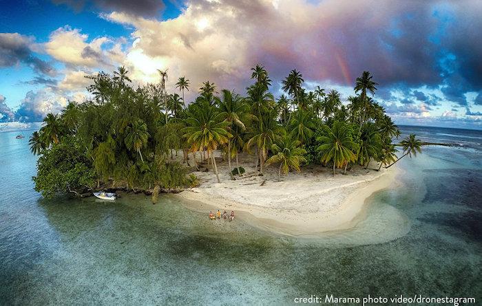 Isla perdida en Tahaa, Polinesia francesa. Foto: Marma Photo Video/Dronestagram