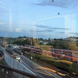 Oberndorf se beneficia del excelente sistema ferroviario de Europa. Esta líea de tren conecta Stuttgart-Zu?rich-Milán.