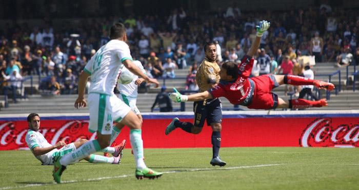 La delantera Puma se cansó de llegar, pero jamás pudo anotar en el segundo tiempo. Foto: Francisco Cañedo, SinEmbargo