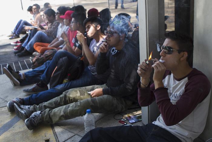 Un estudio demostró que en el 2014 hubo mayor consumo de mariguana que de alcohol por parte de los jóvenes. Foto: Cuartoscuro