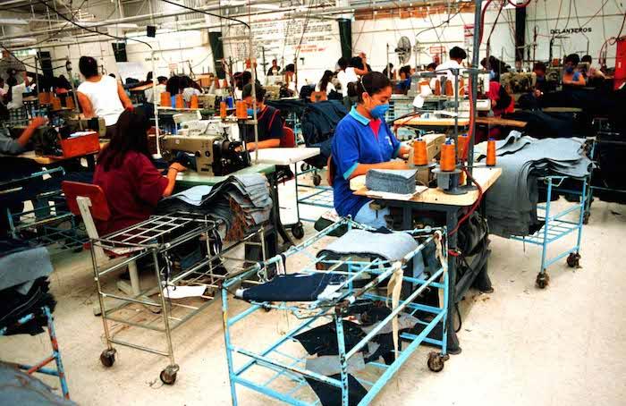 """El TLCAN se compromete a """"ampliar y hacer efectivos los derechos básicos de los trabajadores de ambos países"""", en teoría los trabajadores mexicanos se verán beneficiados de algunas de las leyes laborales más fuertes del continente. Foto: Archivo Cuartoscuro"""
