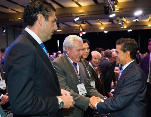 Carlos Hank Gonzalez, Carlos Hank Rhon y Enrique Peña Nieto. Foto: Especial