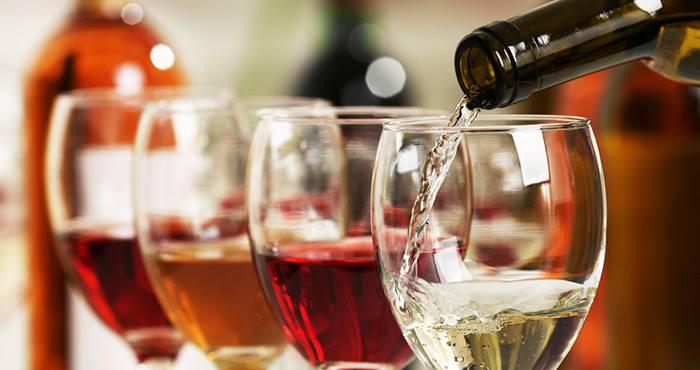 En algunos países establecen que para ser un vino debe tener al menos un siete por ciento de alcohol. Foto: Shutterstock
