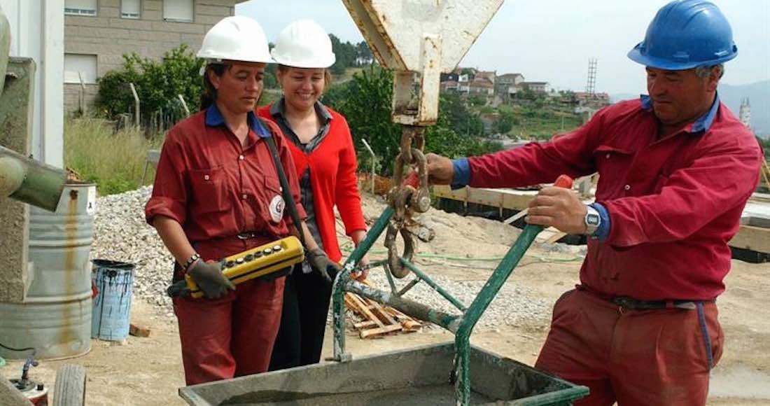 Además, se cita el estancamiento de la participación en el mercado de trabajo, una media del 54 % de mujeres en todo el mundo frente a un 81 % de hombres. Foto: EFE
