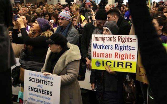 Manifestantes Realizan acto de las Naciones Unidas en Apoyo a los Derechos de los Inmigrantes, Chicago, Foto: EFE