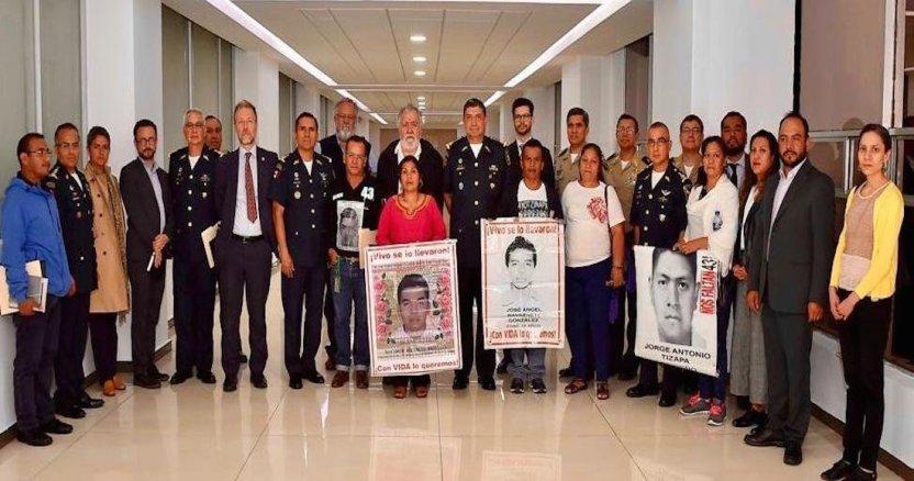 reunion - Dos expertos del GIEI regresan a México para retomar trabajos de investigación del caso Ayotzinapa