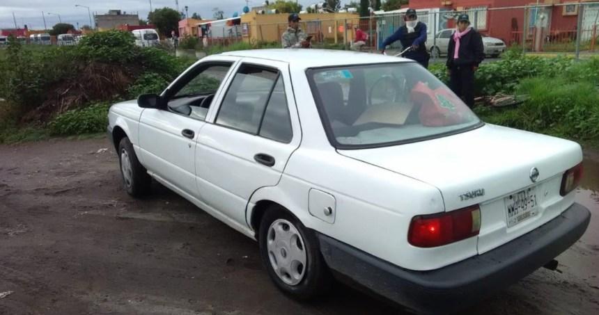 carro zumpango - Cuatro hombres son asesinados con armas de fuego a bordo de una camioneta en Toluca