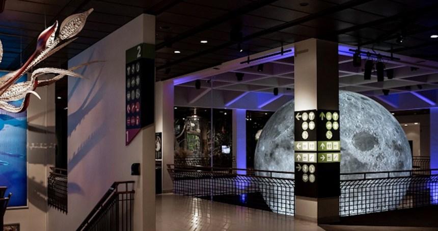 luna gigante - NASA recrea con imágenes reales cómo pudo ver Armstrong la llegada del Apolo 11 a la Luna (VIDEO)