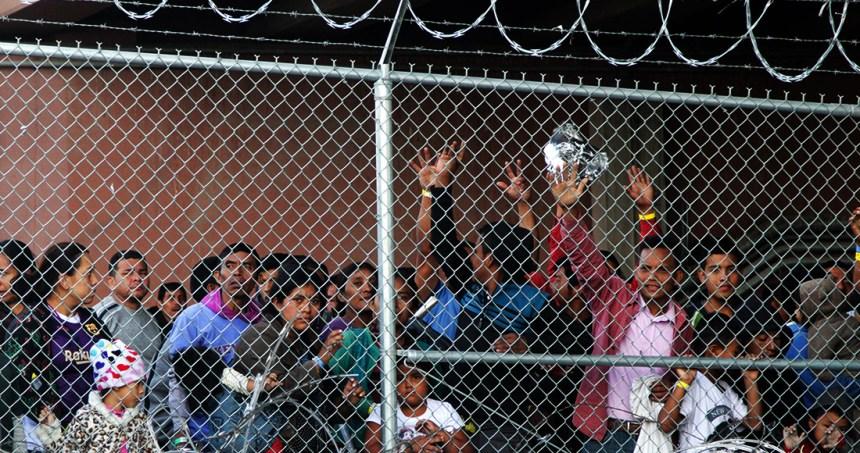 migrantes 9 - Policías del Edomex rescatan a 83 migrantes hondureños en un hotel del municipio de Soyaniquilpan