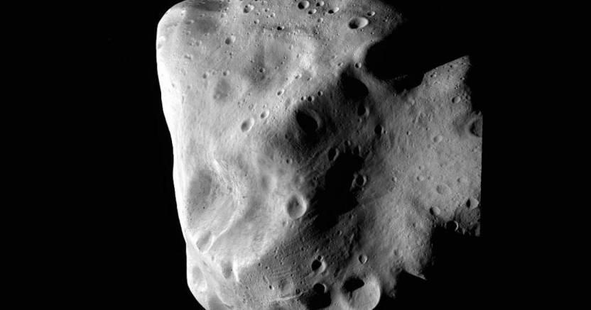 468195main 4 closest approach full - En 1908, un meteoro arrasó con Tunguska, Siberia. Es por eso que hoy se celebra el Día del Asteroide