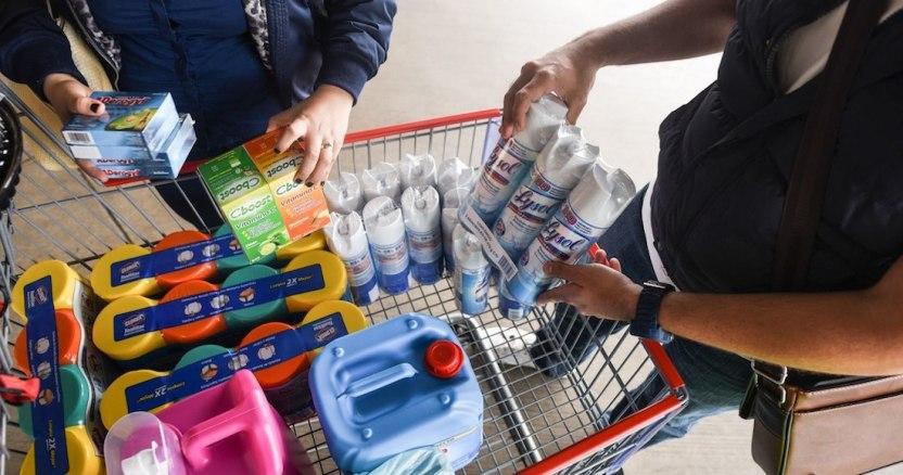 bcecdc31 4e2d 44d1 832c 145344de0469 - Compras de pánico en Costco y otras tiendas regresan por COVID-19 en México; en redes crean MEMES - #Noticias