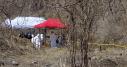 El lunes realizaron un reconocimiento de la zona, el martes realizaron una limpieza del terreno y ubicaron los 52 posibles entierros. Foto: Alejandro Guerrero, El Sur
