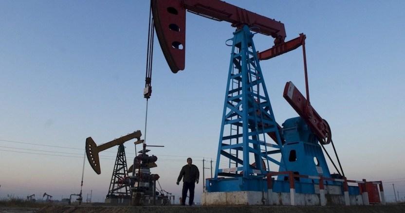petroleo texas 1 - La Profeco llama a empresarios a bajar precios de la gasolina por caída en los costos del petróleo