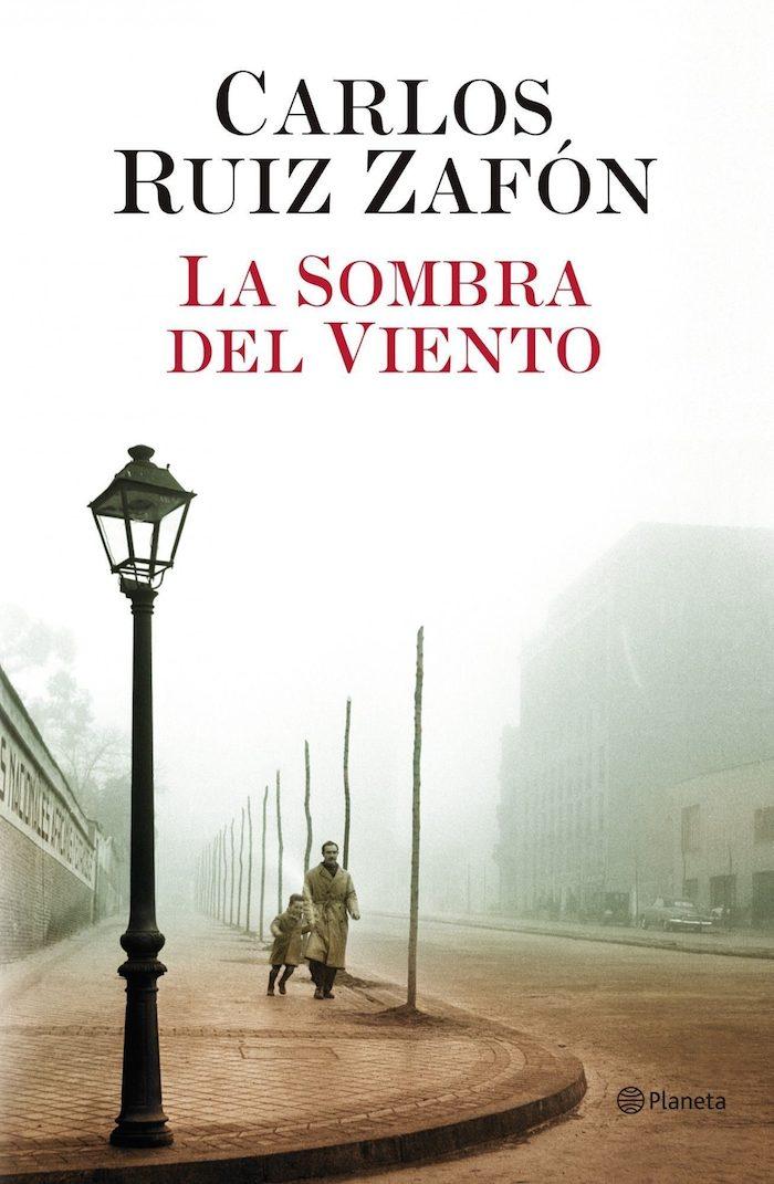 9788408043645 - CLAVES literarias para entender a Carlos Ruiz Zafón, mucho más que una máquina de best sellers