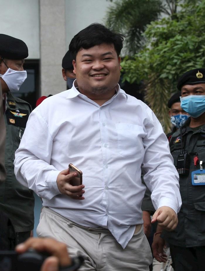 activista tailandia - ONGs de DDHH piden que se retiren los cargos contra líder del movimiento estudiantil en Tailandia