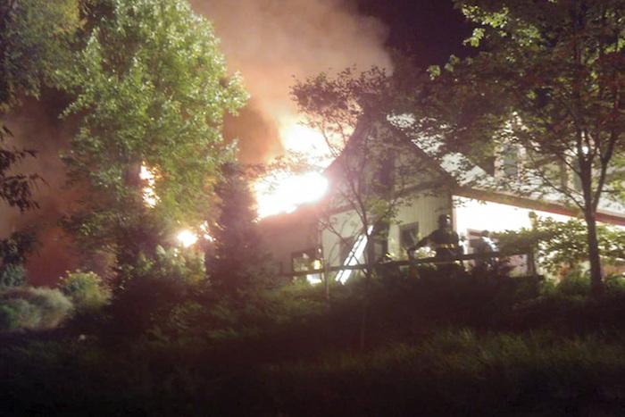 incendio rache rey 2 - Un gran incendio consume la casa de Rachael Ray, la estrella de los programas de cocina