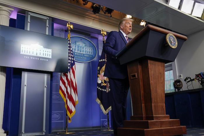 El Presidente Donald Trump habla durante una conferencia de prensa en la Casa Blanca, el domingo 27 de septiembre de 2020, en Washington, D.C.