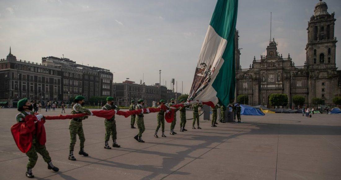 bandera-mexico-izamiento