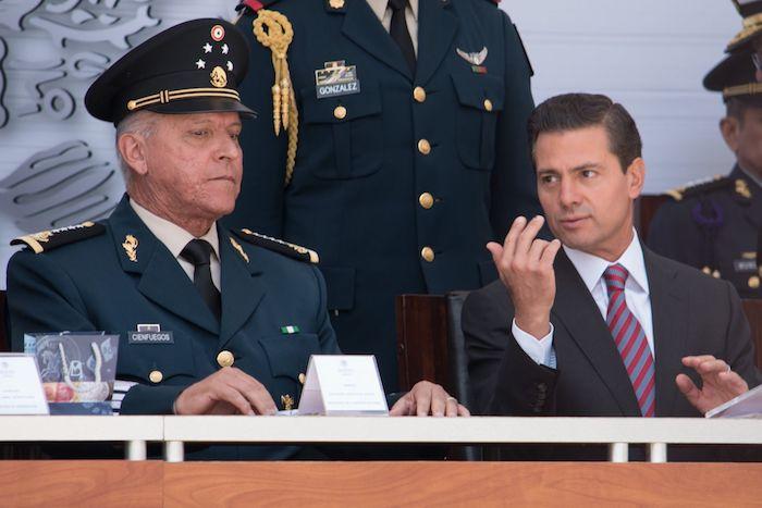 El expresidente Enrique Peña Nieto, y Salvador Cienfuegos Zepeda, exsecretario de la Defensa, en 2017.