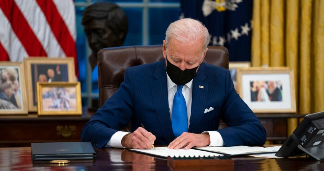 El Presidente Joe Biden en la Oficina Oval de la Casa Blanca en Washington el 2 de febrero del 2021.