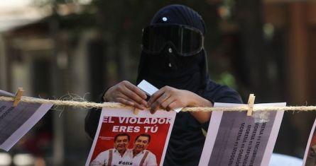 Integrantes de colectivas feministas protestaron afuera de la CEN de Morena en contra del candidato a Gobernador de Guerrero, Félix Salgado Macedonio, quien es señalado por cinco casos de abuso y violencia hacia las mujeres en este estado.