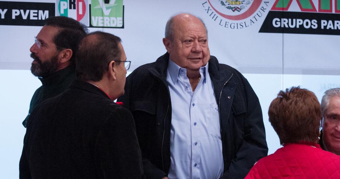 El líder petrolero Carlos Romero Deschamps durante la 12 Reunion Plenaria de los grupos parlamentarios del PRI y PVEM, en las instalaciones del Senado de la República, en enero de 2018.