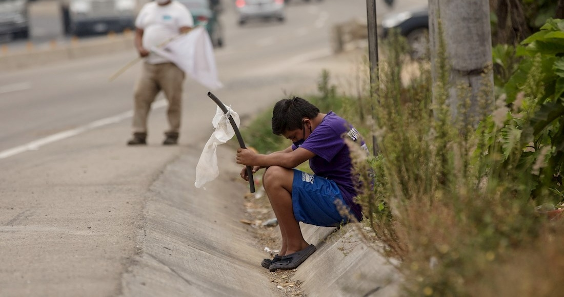 niño-bandera-blanca-guatemala-hambruna